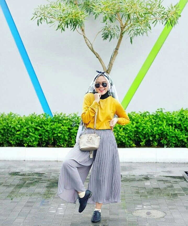 @donadinth is wearing collection from @iffarahijab_new