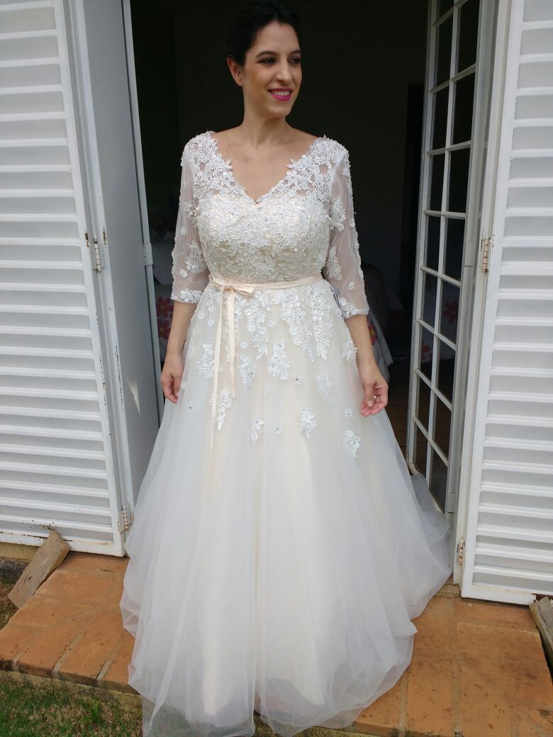 Us 281 00 Ball Gown V Neck Court Train Tulle Wedding Dress With Beading Appliques Lace Sequins Bow S Jj S House Wedding Dresses Ball Gowns Tulle Wedding Dress [ 1040 x 780 Pixel ]
