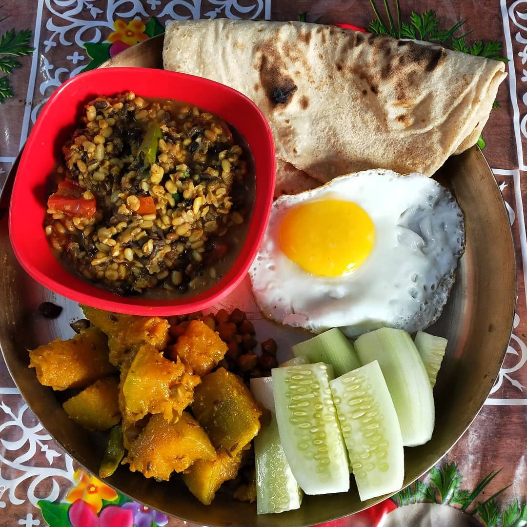 Today's recipes are roti with black gram dal pumpkin carry