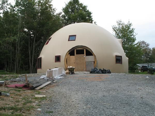 Dome Homes Are Tornado And Hurricane Proof And This Is One Reason I Like Them They Should Build These Geodesic Dome Homes Monolithic Dome Homes Dome House