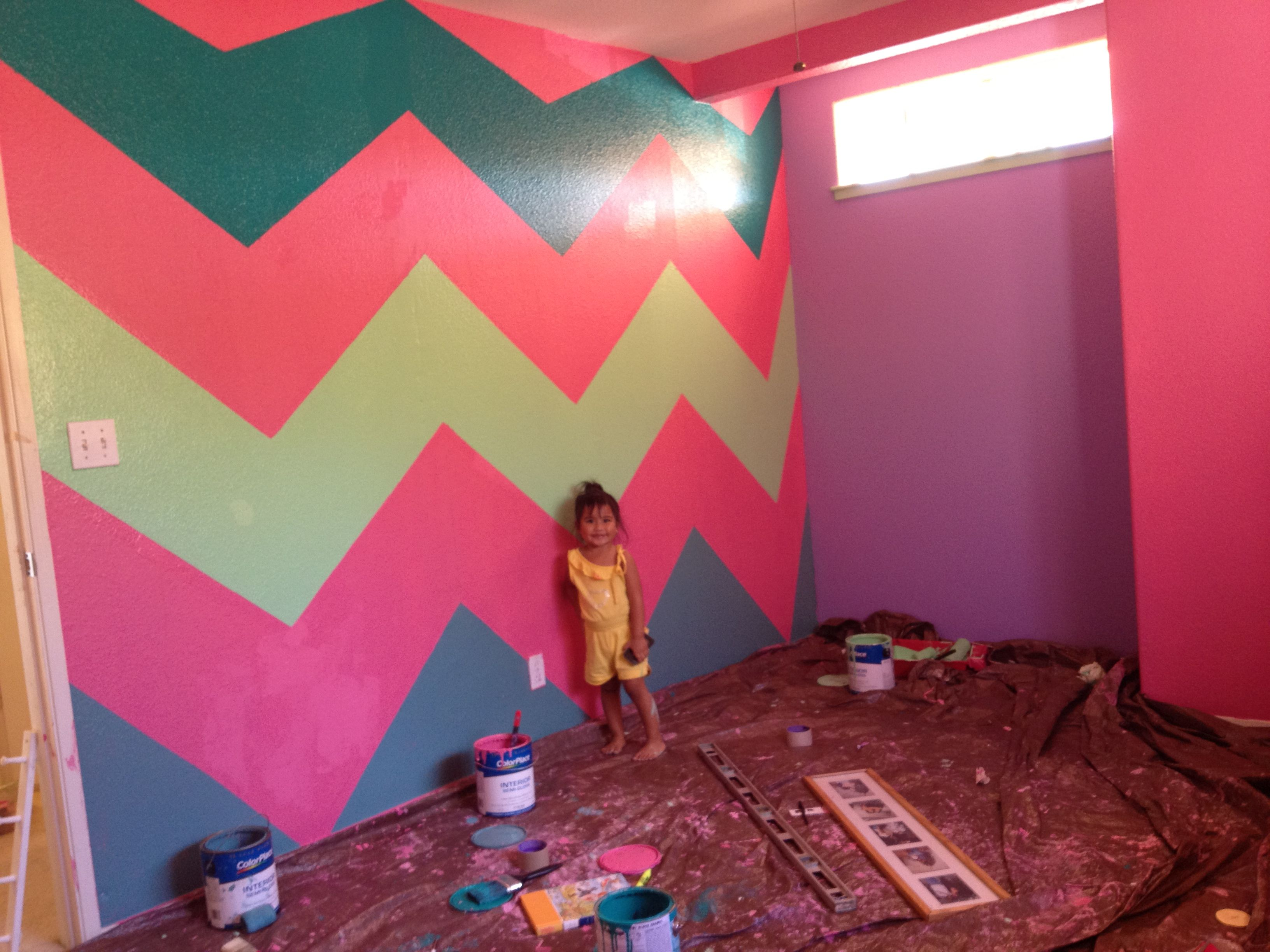 DIY CHEVRON WALLS! Big girls room! | Chevron wall, Diy