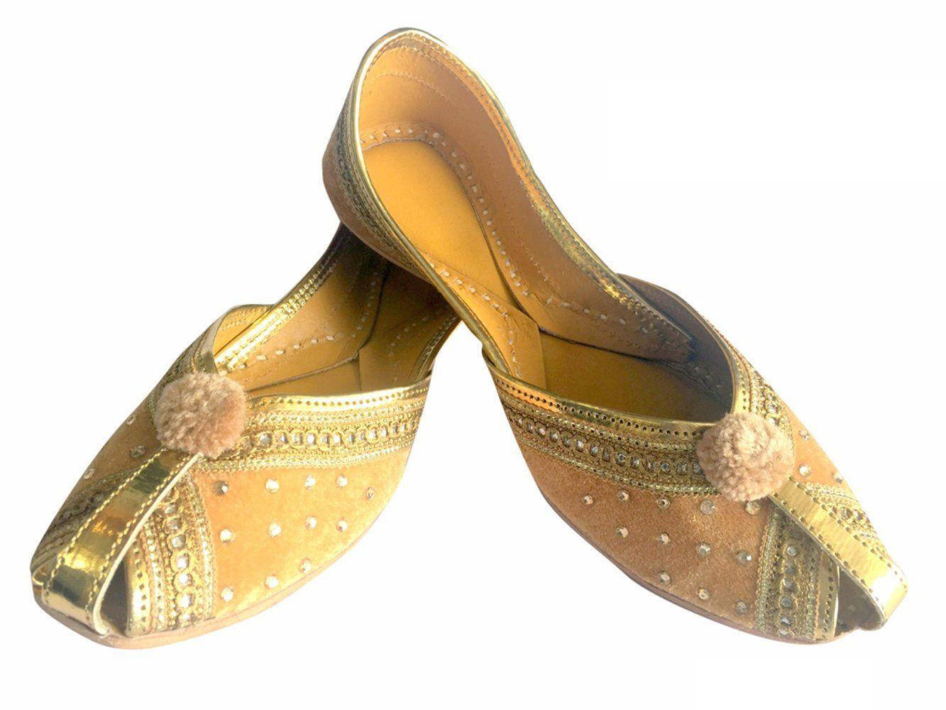 a645fd7928bc Step n Style Women Velvet   Leather Khussa Shoes Punjabi Jutti ...