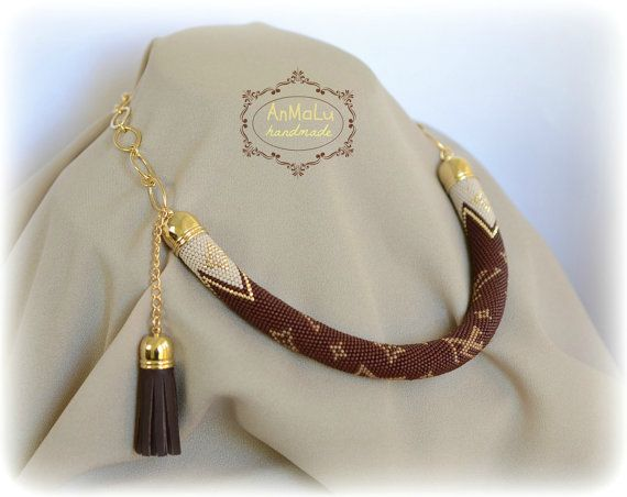 Crochet con cuentas collar - marrón, beige, oro gargantilla collar - grano ganchillo cuerda - collar de abalorios - oficina - moda estilo