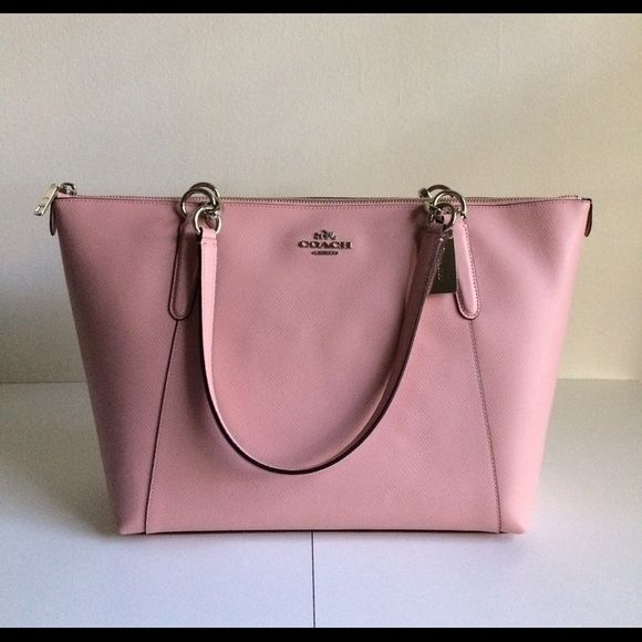 4e3c92f63d LIKE NEW blush pink coach purse used once