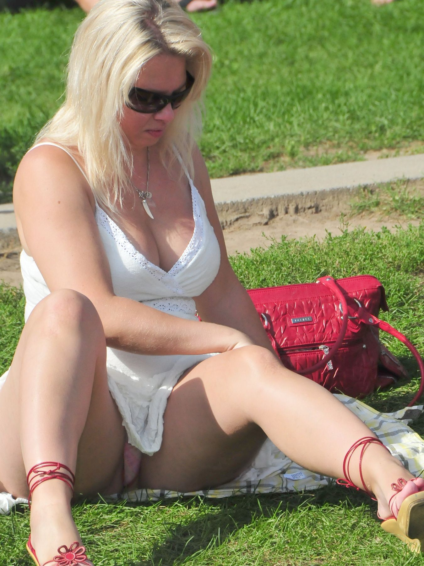MILF upskirt during boat trip