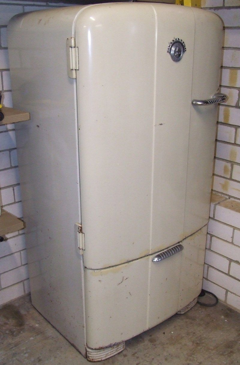 Early 1950 S Kelvinator Fridge Bundaberg Antiques For Sale Collectibles For Sale Bundaberg 1080427 Antiques For Sale Fridge Kelvinator Refrigerator