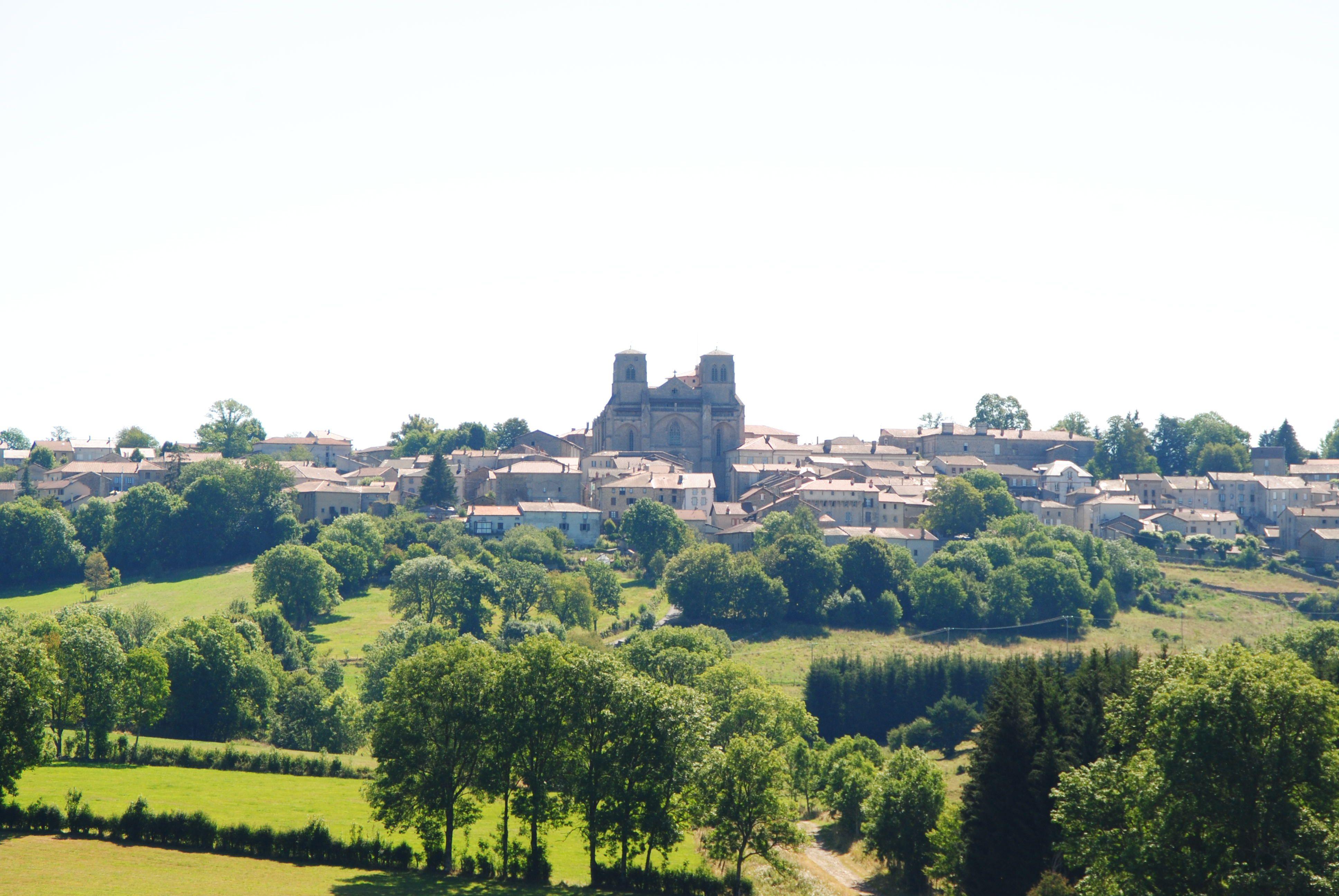 La Chaise Dieu Haute Loire En 2020 La Chaise Dieu Haute Loire Loire