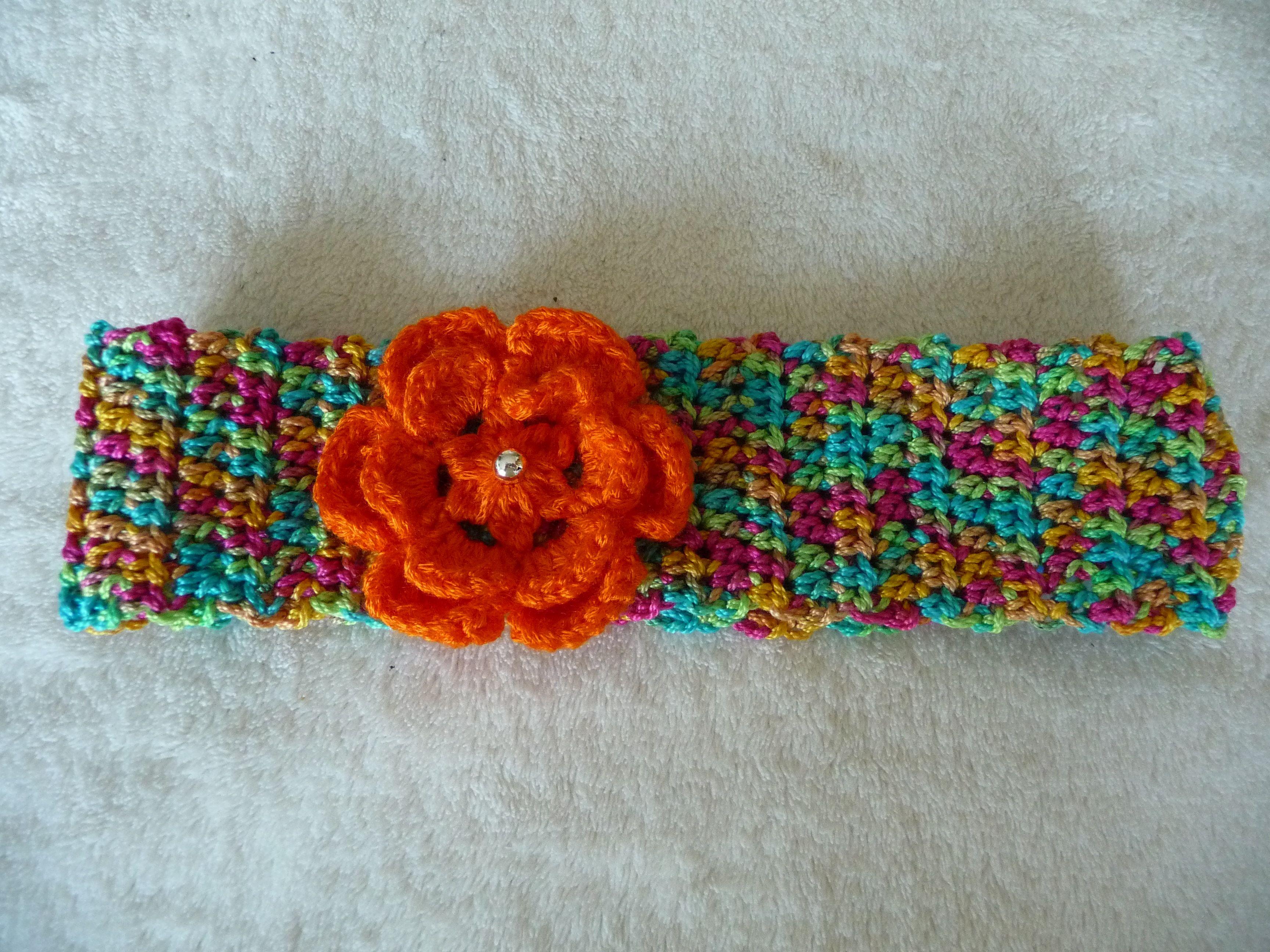 Haarband mit Gummi und Blume mit Perle aus Baumwollgarn