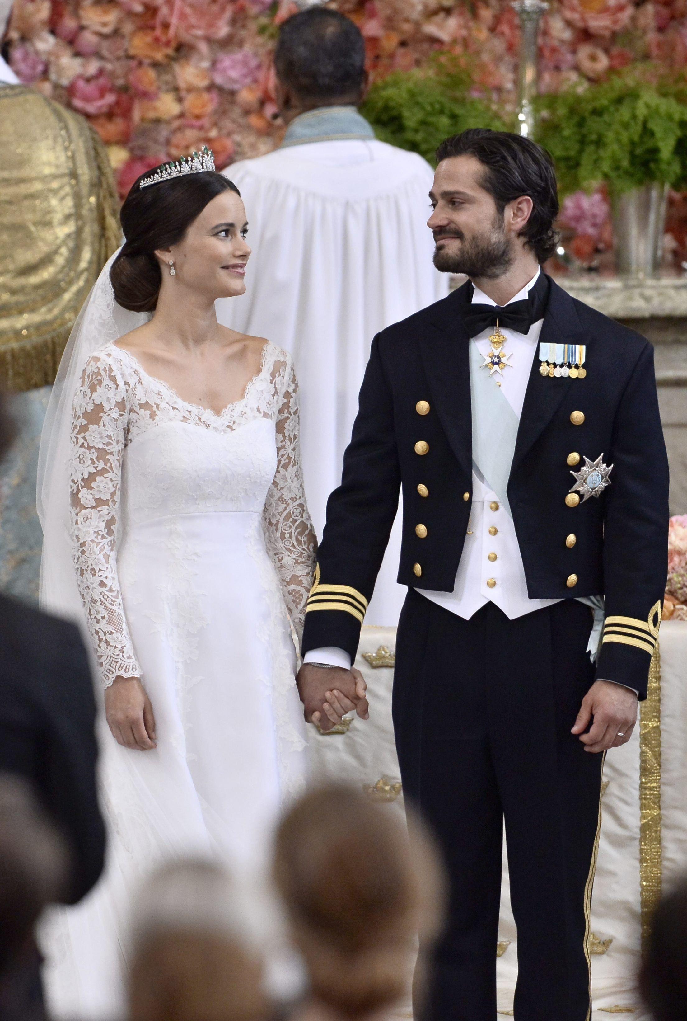 Prince Carl Philip And Sophia Hellqvist Royal Wedding Gowns Swedish Wedding Royal Wedding Dress [ 3280 x 2208 Pixel ]