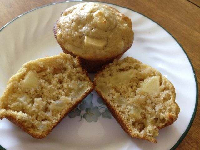 Mommy Makes it Better: Apple Cinnamon Oatmeal Muffins