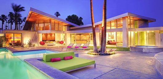 Glass and Steel House – Luxury House with Beautiful Vibrant Color Combination