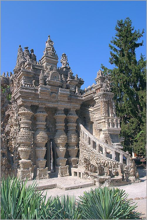 Cheval's 'Palais idéal', Hauterive, France. In 1912 his creation was finished: a building 26 m (85 ft) long, 14 m (46 ft) deep and between 8 and 10 m 26/33 ft) high.