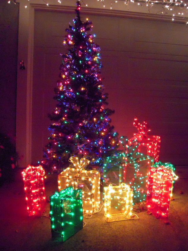 i like the lit up gift boxes not necessarily the tree