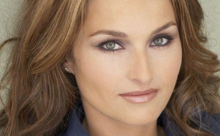 Top 10 Most Beautiful Women S Eyes Most Beautiful Eyes Giada De