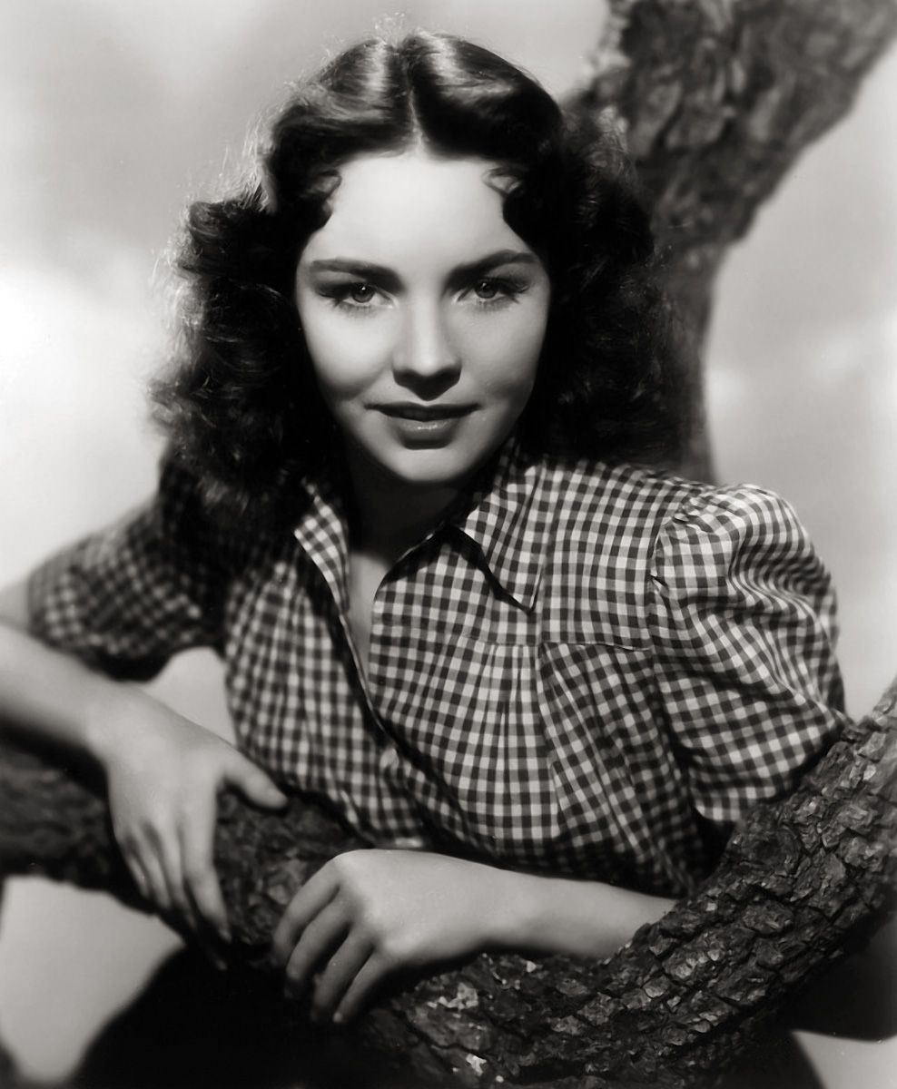 Watch Lucy Griffiths (actress, born 1919) video