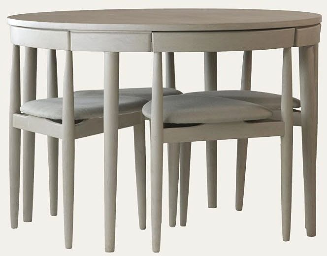 Scandinavian - round table and chairs fitting in | Espacios pequeños ...