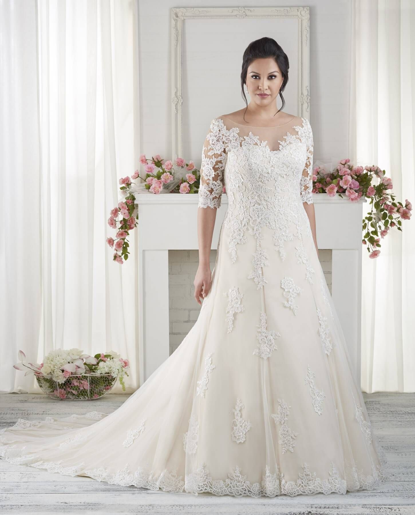 The best wedding dresses for fat arms sleeved wedding for Wedding dresses for larger figures