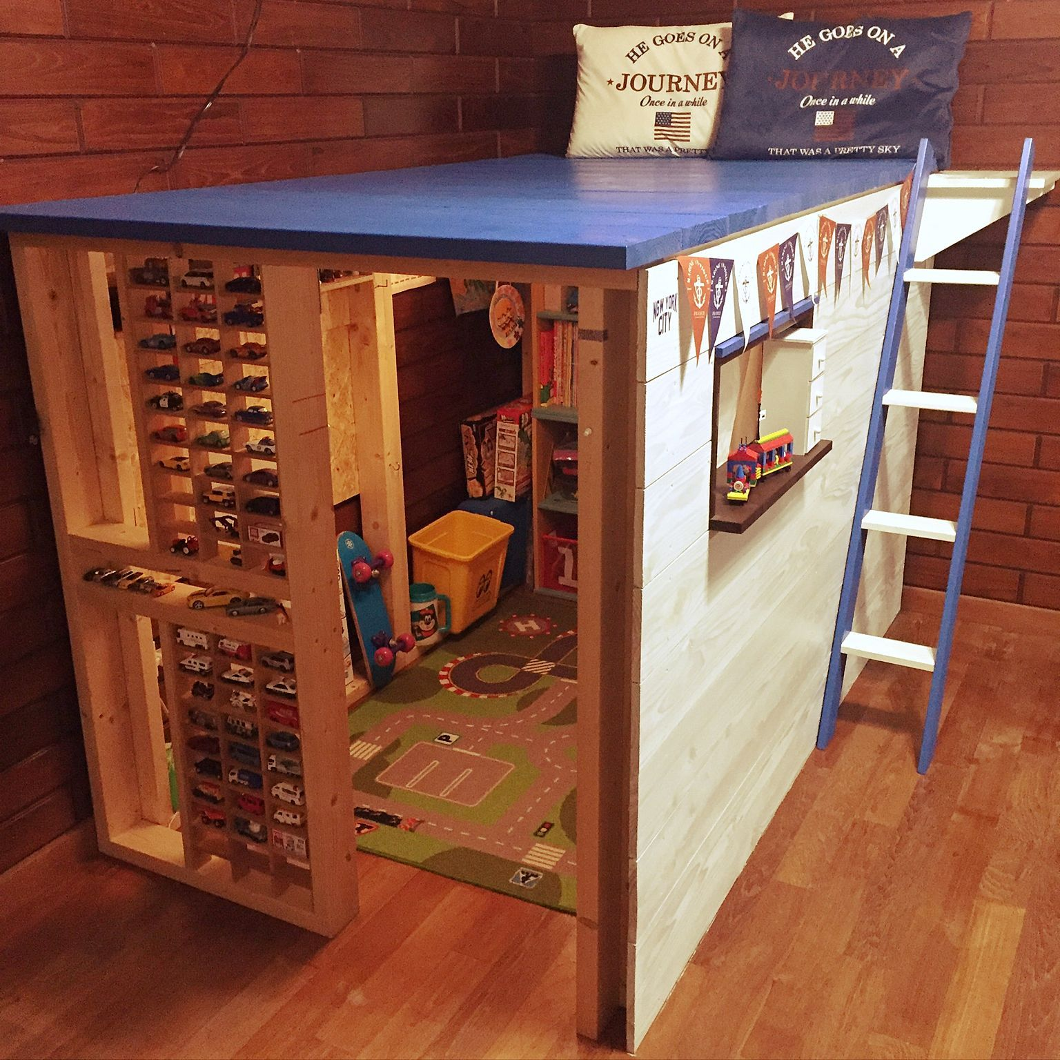 部屋全体 はしごdiy 自作階段 Lego おもちゃ収納 などのインテリア