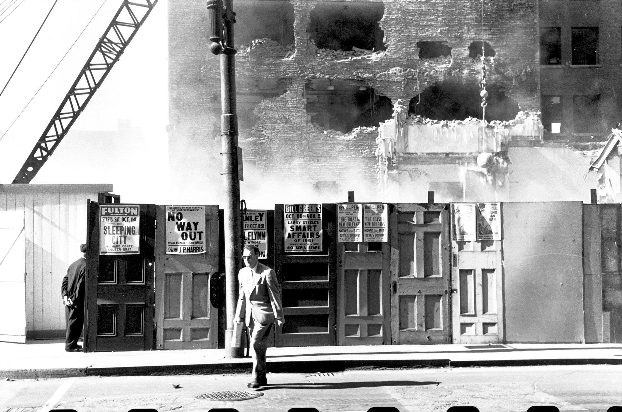 Elliott Erwitt S Lost Photographs Of Pittsburgh Published 2017 Elliott Erwitt Pittsburgh Pittsburgh City