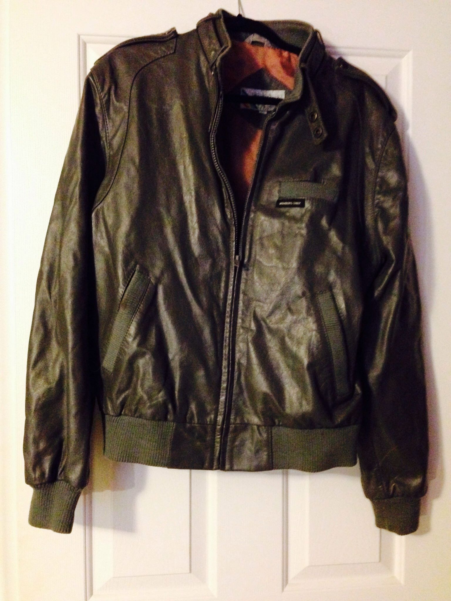 Vintage Members Only Leather Bomber Jacket Http Stores Ebay Com Old Crows Treasures 24 7 Rdc 1 Leather Jacket Leather Bomber Jacket Mens Outfits [ 2048 x 1536 Pixel ]