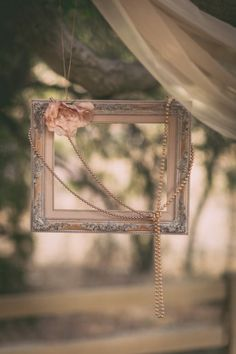 Chic touches like this are perfect for a #vintagewedding!