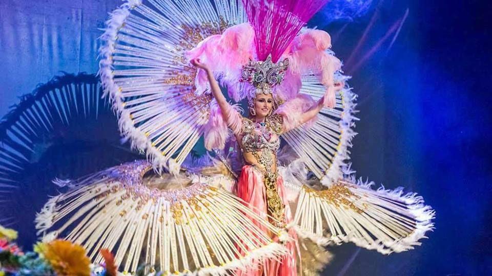 Grupo Mascarada Carnaval: Sonia Calvo Verdugo, Reina de La Piñata Chica de T...