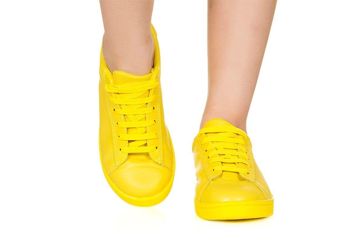 33b7f358bd6 Tênis amarelo monocolor Taquilla - Taquilla - Loja online de sapatos  femininos