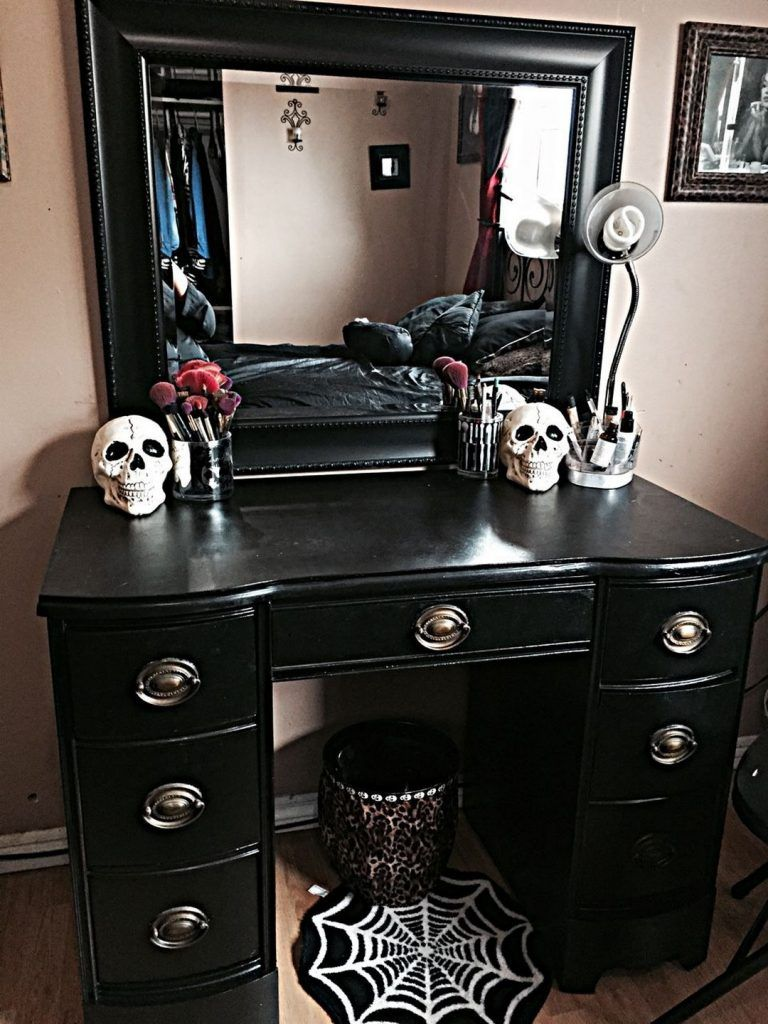 30 Amazing Living Room With Goth Home Decorations With Images Goth Bedroom Gothic Bedroom Goth Home Decor