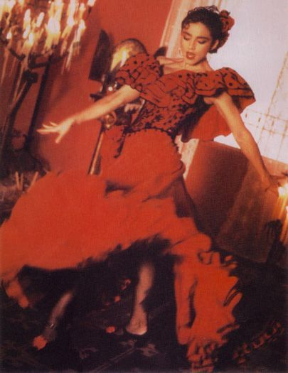 Famous Photographer Albero Tolot Snapped These Pics During The Making Of The La Isla Bonita Video Which Was Di Madonna Madonna True Blue Famous Photographers