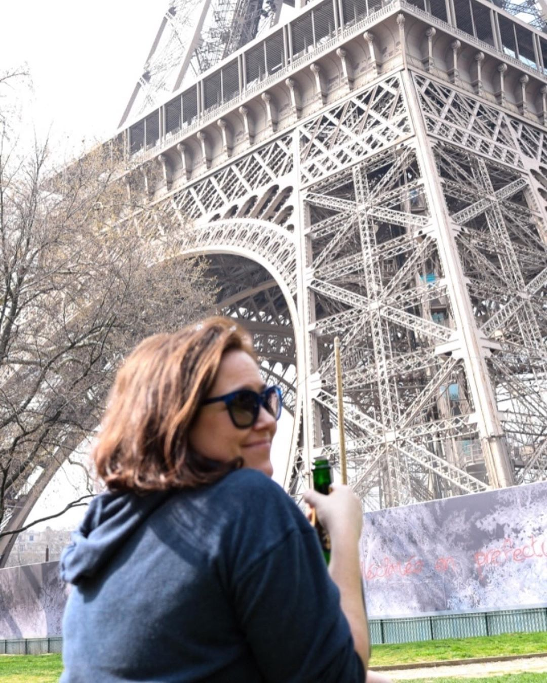 Our Vegan Picnic At The Eiffel Tower For B S 30th Birthday Included Chanpagne A Fresh Baguette Most In Paris Are Accid Paris Vegan Vegan Picnic Vegan Cheese