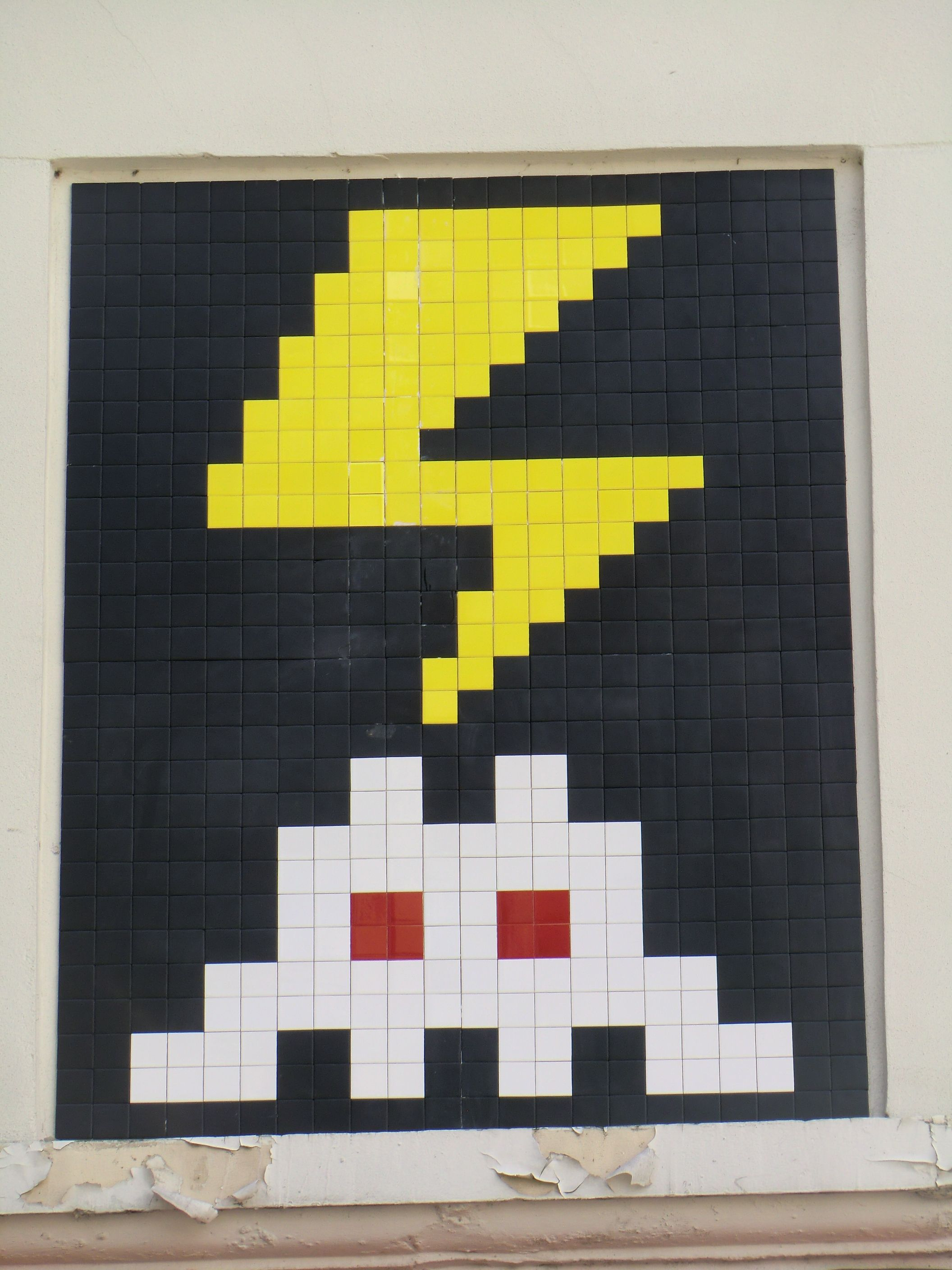 Amazing Space Invaders Wall Art Crest - Art & Wall Decor - hecatalog ...