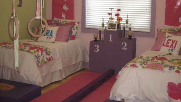Extreme makeover home edition hampton family girl 39 s for Extreme bedroom designs