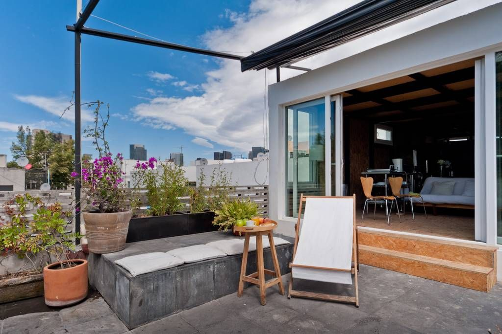 Enjoy The Sunny Terrace Home Interiores De Mexico Entradas De Casas Casa Moderna Pequena