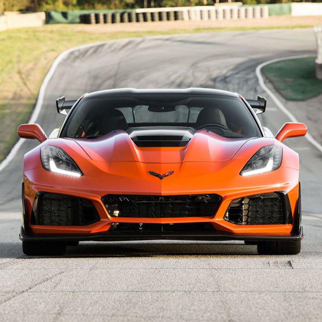 Chevrolet Corvette ZR1🔧 V8 Engine🔝 Top Speed 338km/h