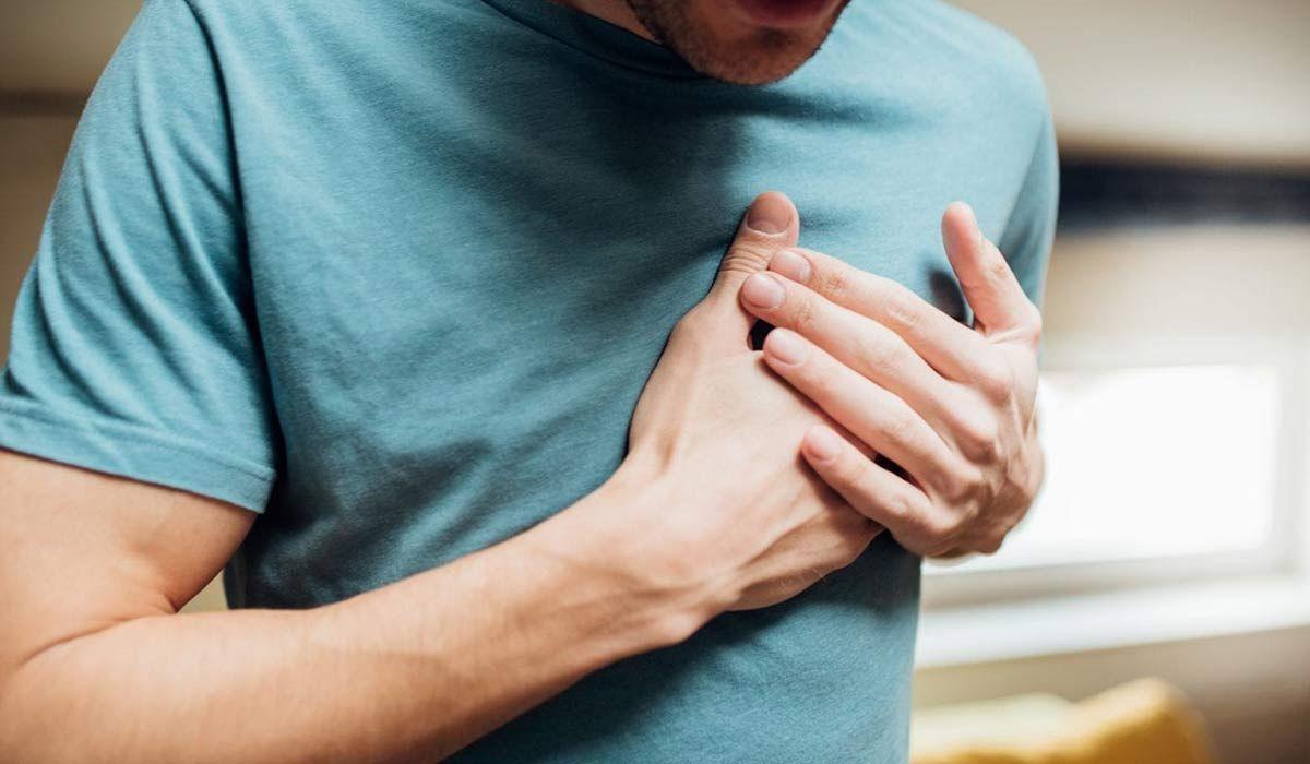 أسباب سرعة ضربات القلب Hands Holding Hands
