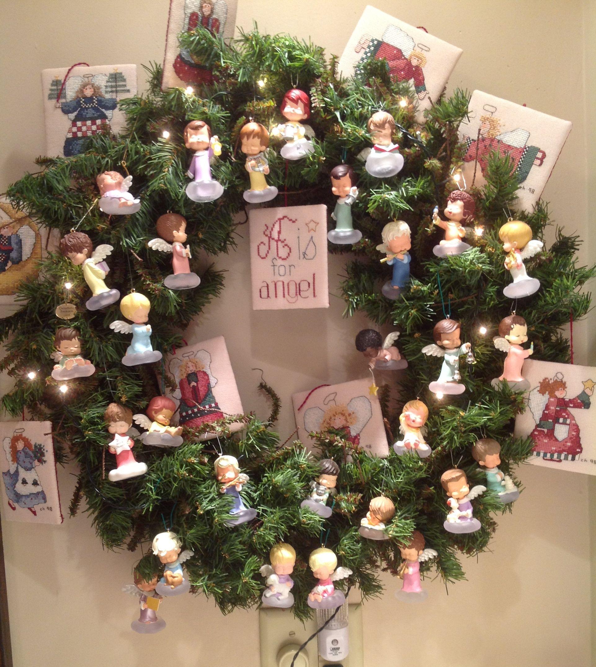 Hallmarks Marys Angels Wreath