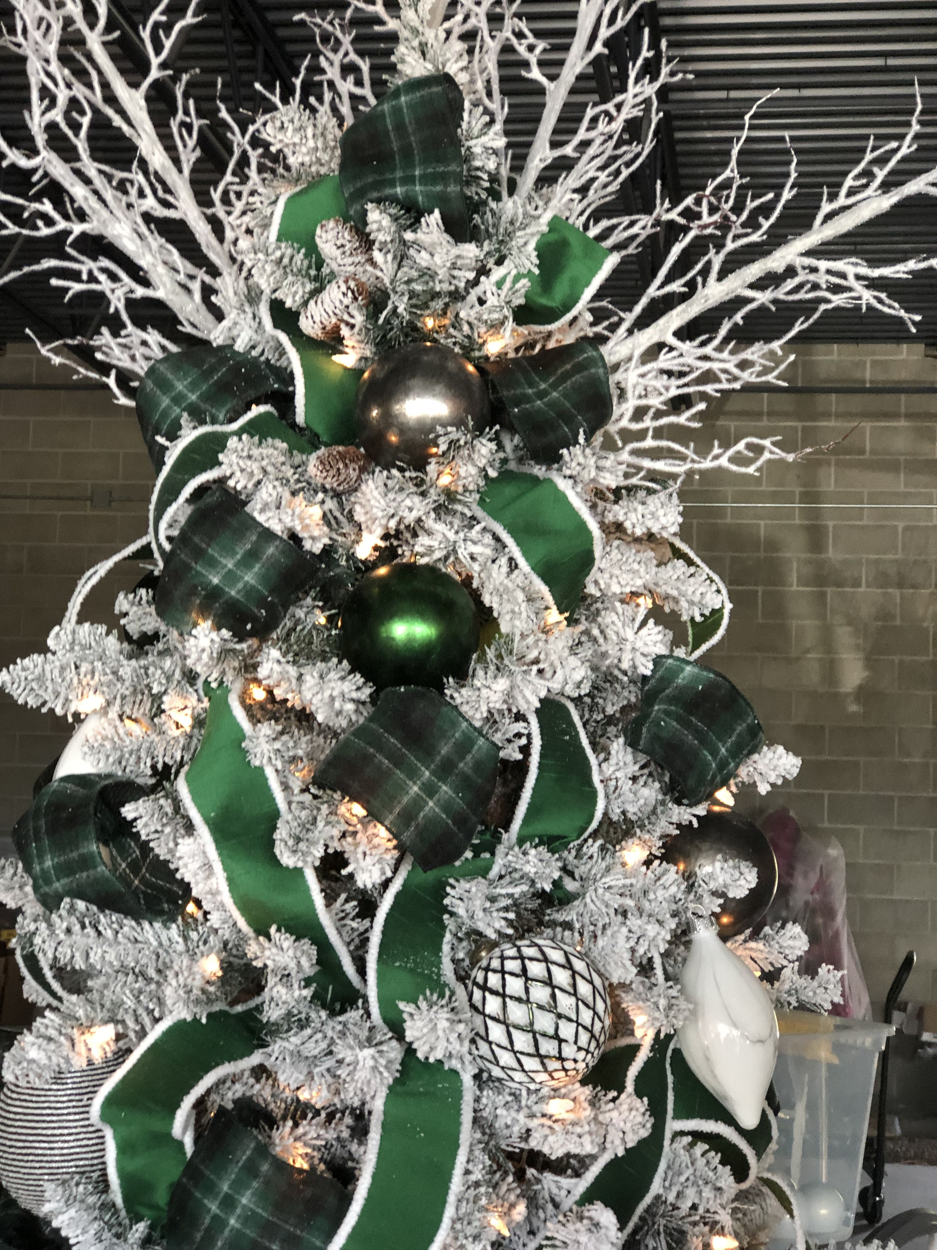 Pin by Marrying on Xmas trees | Green christmas tree ...