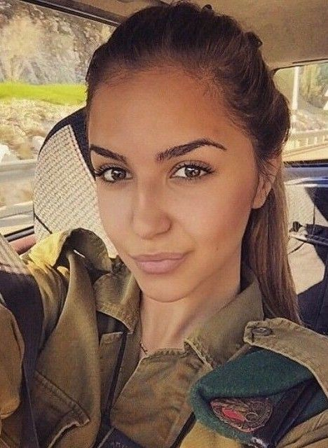 سرباز دختر