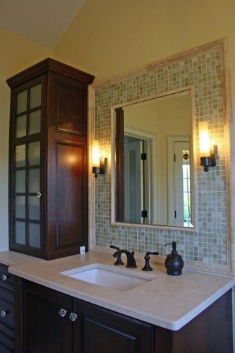 Want cabinets like these in the middle of the master bathroom vanity!