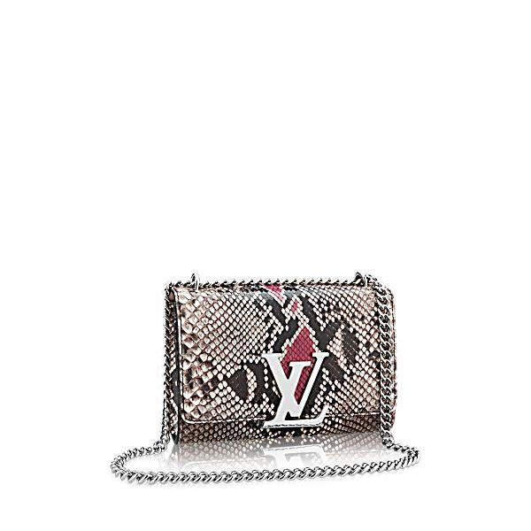 LOUIS VUITTON Chain Louise Mm.  louisvuitton  bags  shoulder bags  leather   metallic   b52e6bbe98f