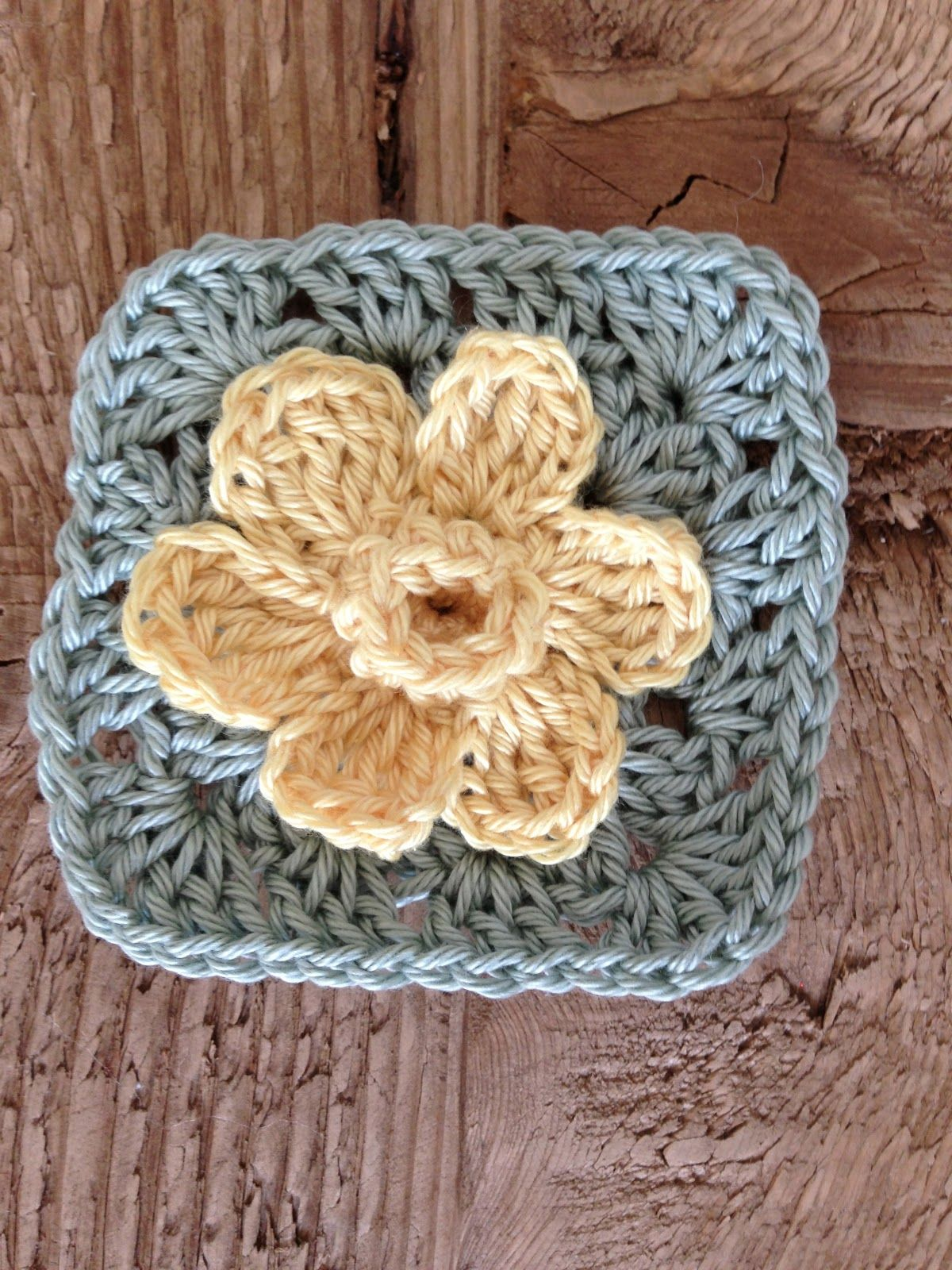 Spring Daffodil granny square, great tutorial by Annoo\'s Crochet ...