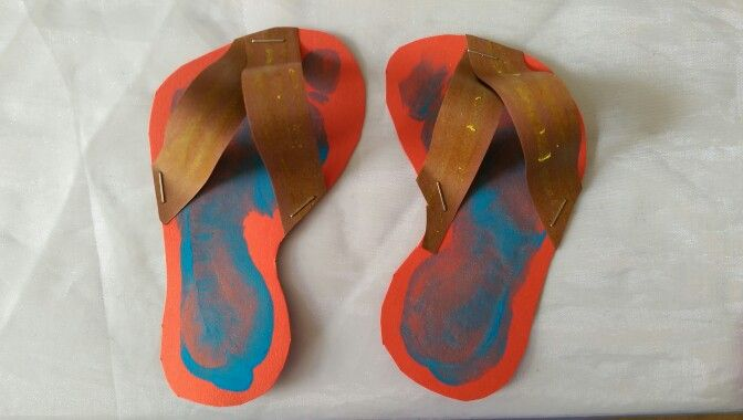 Slippers van voetjes