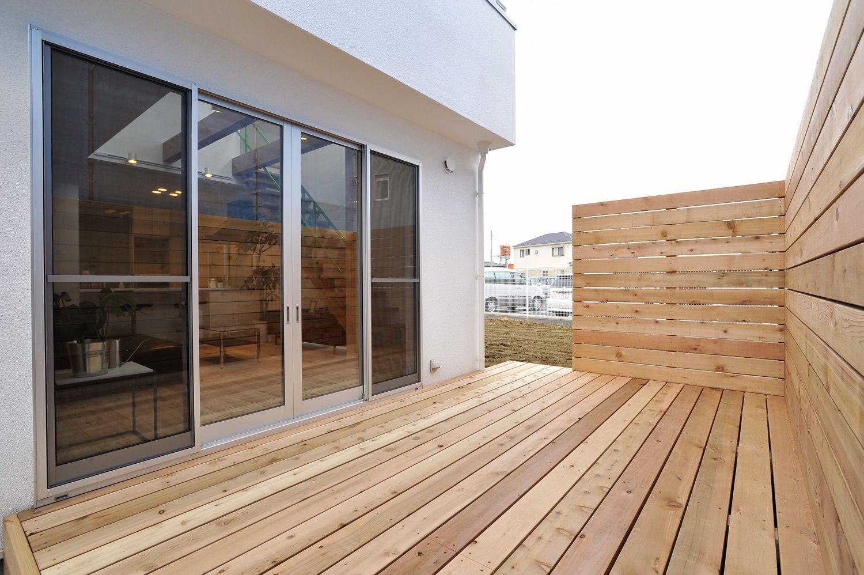 St House ウッドデッキ 重量木骨の家 選ばれた工務店と建てる木造注文