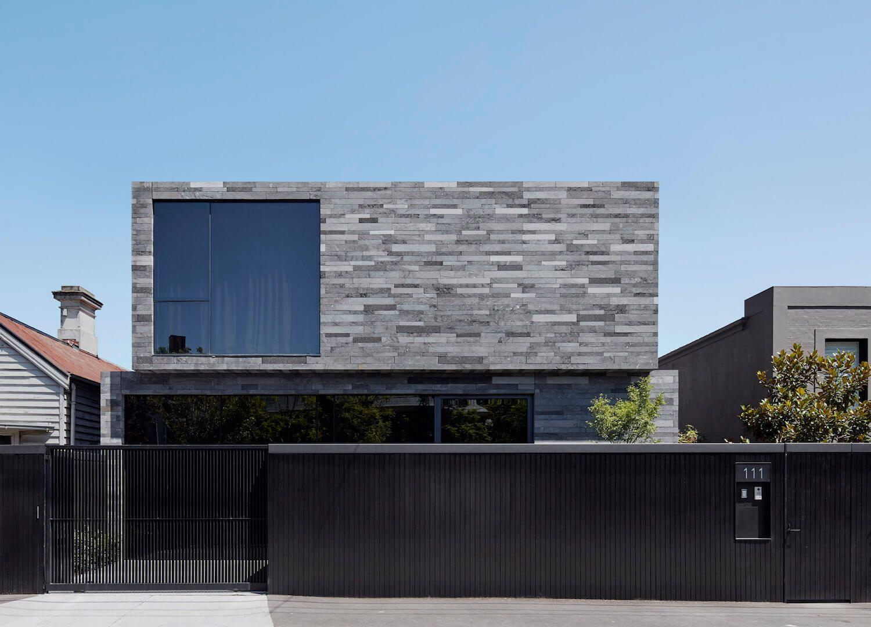 Intonaco Esterno Moderno : Risultati immagini per facciata intonaco grigio progetti