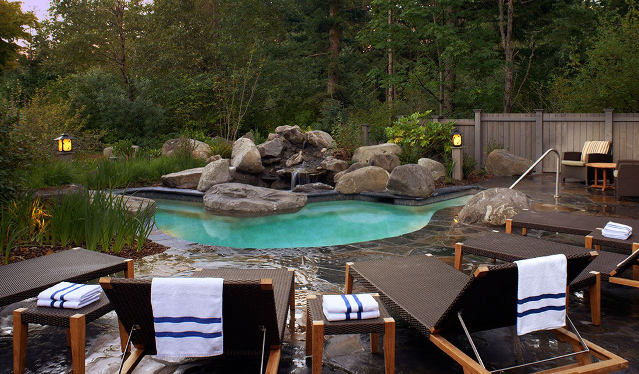 Considered By Many As The Premier Columbia Gorge Hotel Snia Lodge Offers Guests Unforgettable Accommodations And Amenities Picture You Your Family