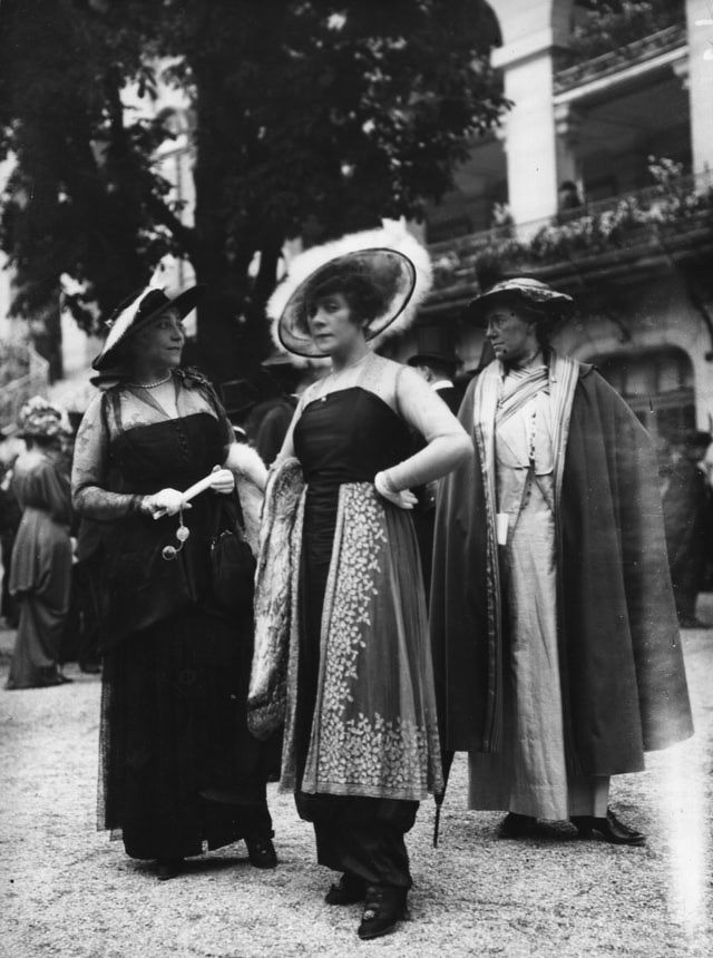 What We Wore 100 Years Ago: Fashion in 1914: Various Harem Skirts at Longchamp in Paris