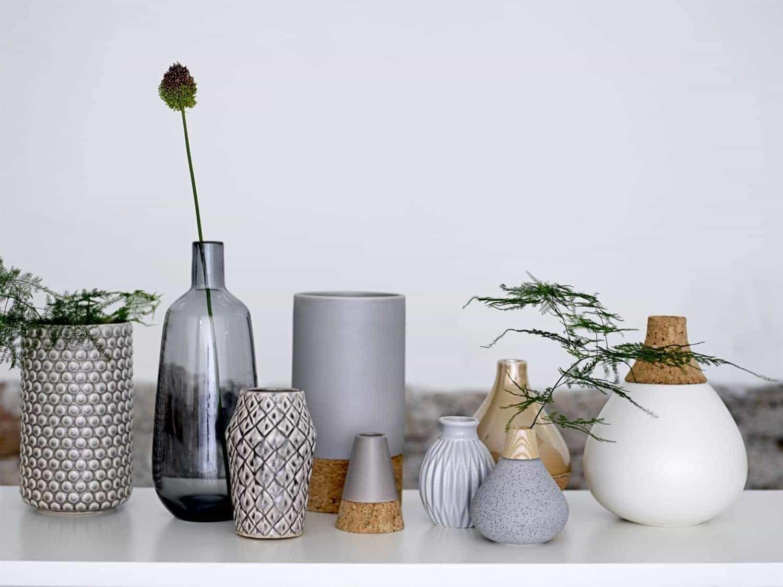 Vase Weiß Mit Kork Von Bloomingville » WOHNGOLDSTÜCK
