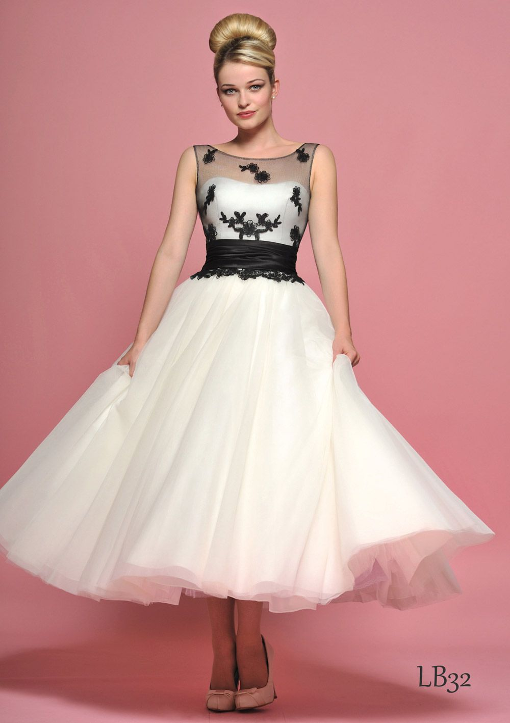 wedding dress with a 50s style belt - Google Search | Say YES to ...