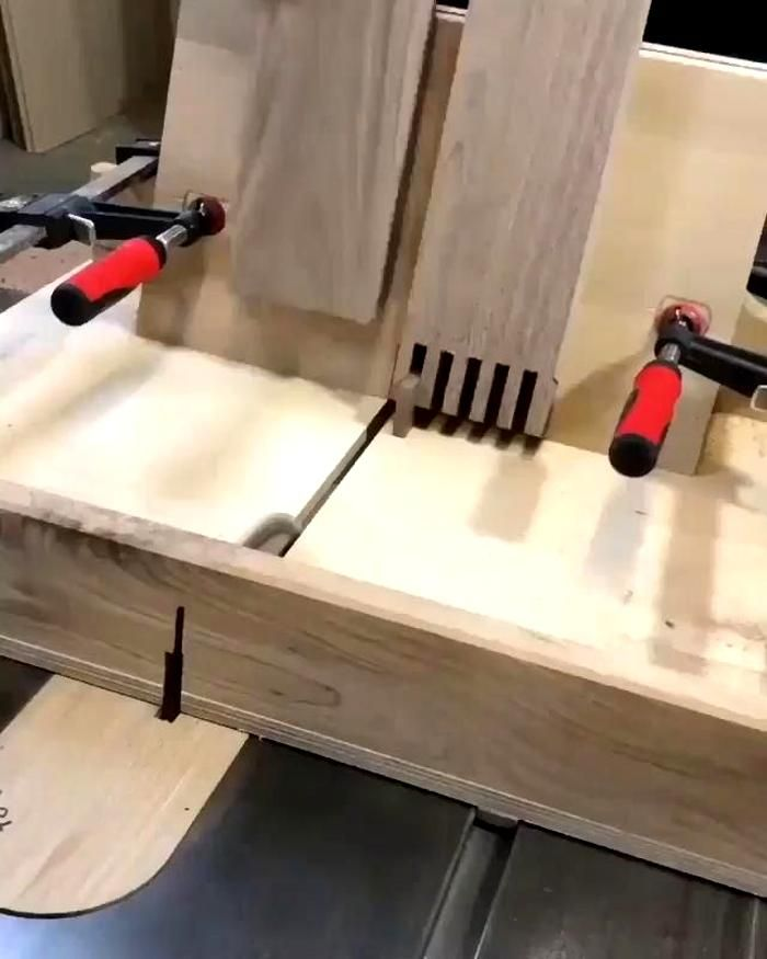 Click the link for 16000 projects. Wood Bench | Right Angle Clamp Jig | DIY | Work of Art | Woodworking Projects and Plans | wood signs | circle cutting | wooden circles | sign board | woodworking tools | clamp | table | woodworking ideas | blueprints | videos | bed | Table | Chair | Storage scrap wood projects | tools #thehomewoodwork #table #woodtable #woodworking #wood #woodart #woodwork #bentlamination #bendingwood #bentwood #woodworking #thehomewoodwork #woodwork_design #woodworkerfamily ..