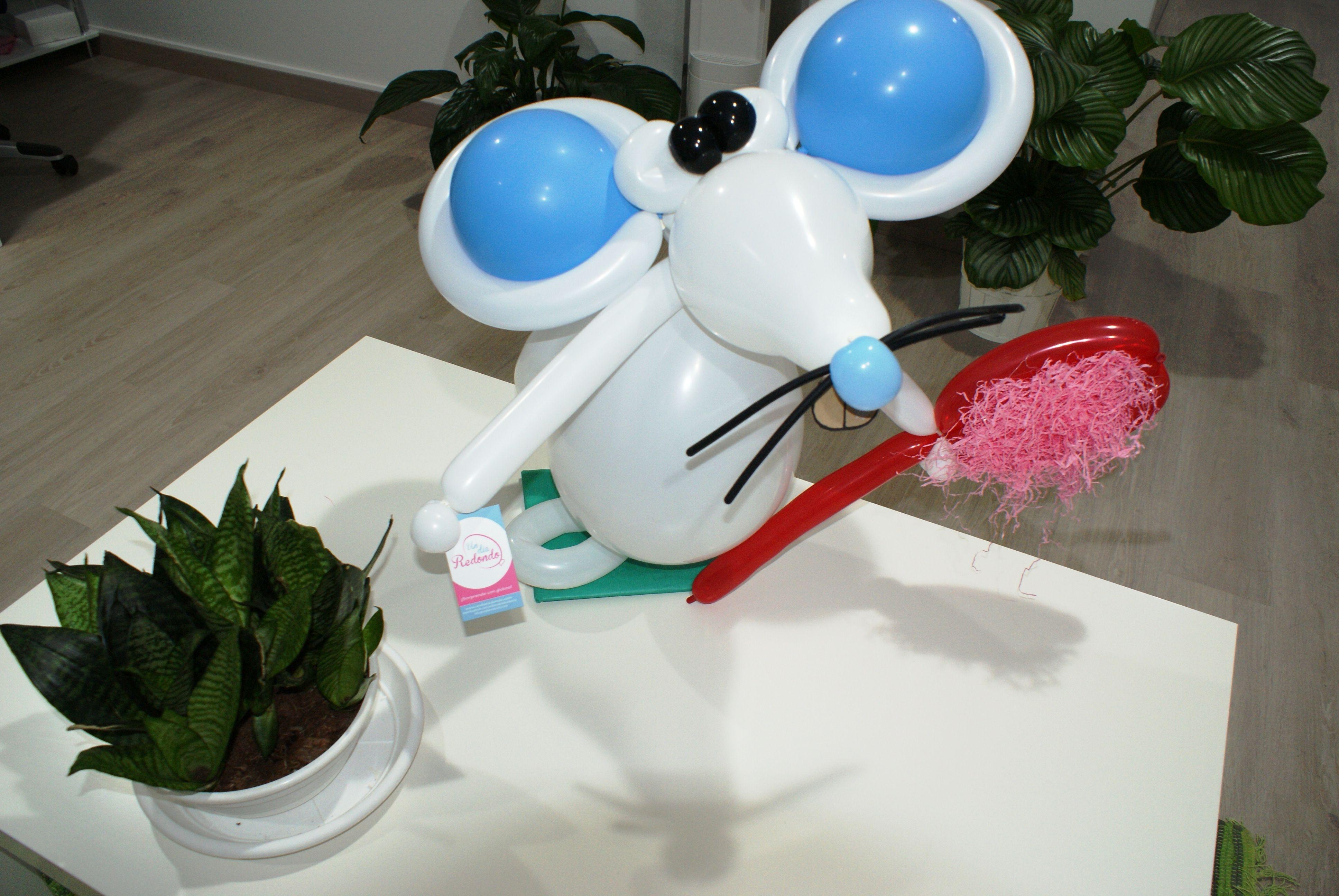 Ratoncito Pérez hecho con globos. Inaguración de la Clínica Odontológica DENT decorada con globos.